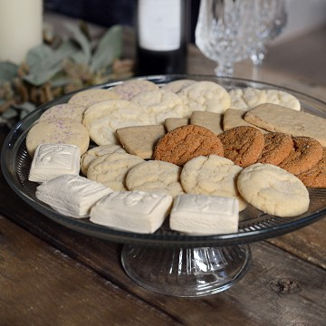 Gourmet Hand Baked Springerle Cookie Assortment Tin with Licorice, Gingerbread, Ginger Snaps, Shortbread, Simply Lemon, and Sugar Cookies