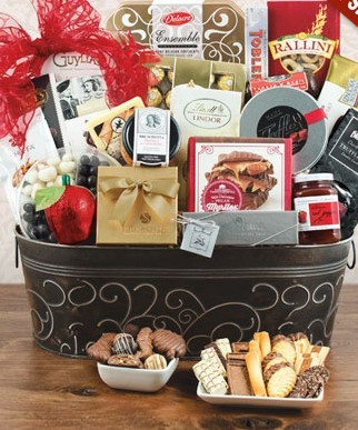 Royal Gourmet Gift Basket