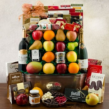 Royal Ransom Red Wine, Fruit and Gourmet Gift Basket